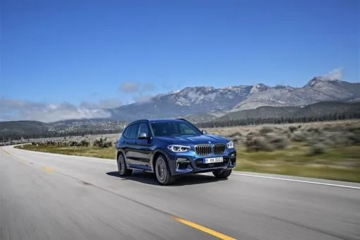 BMw X3 on the move