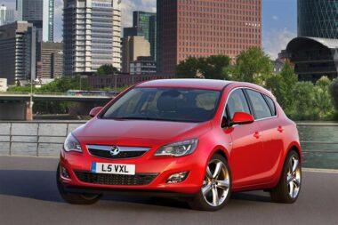 Vauxhall Astra 2.0 CDTi 1.6V SRi [165]