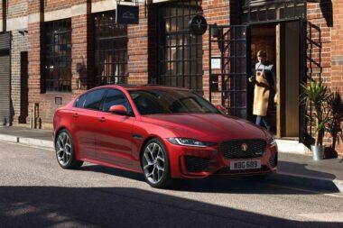 Jaguar XE 2.0d SE Auto