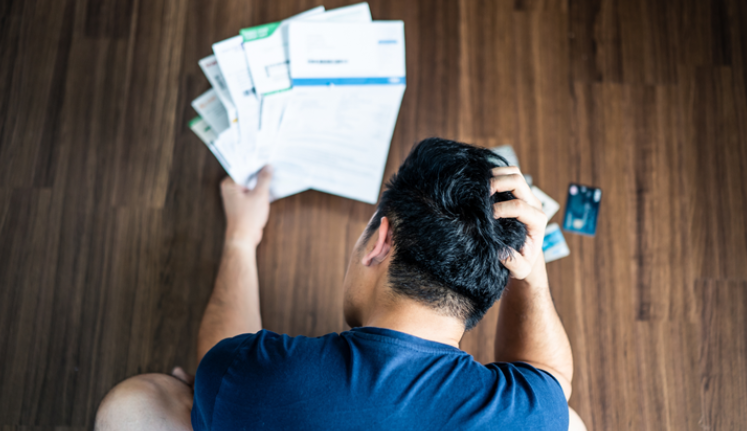 What debts show up on your credit report?